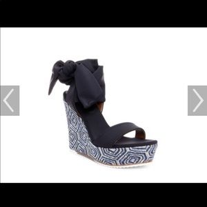 Donald Pliner Wedges